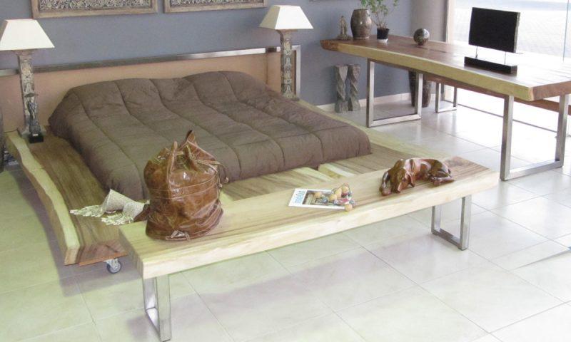 Designer Suar Bed