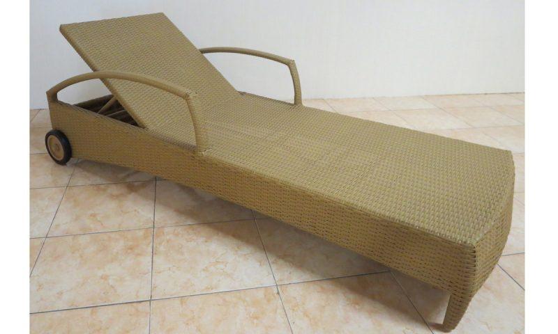 Star Rattan Sun lounger
