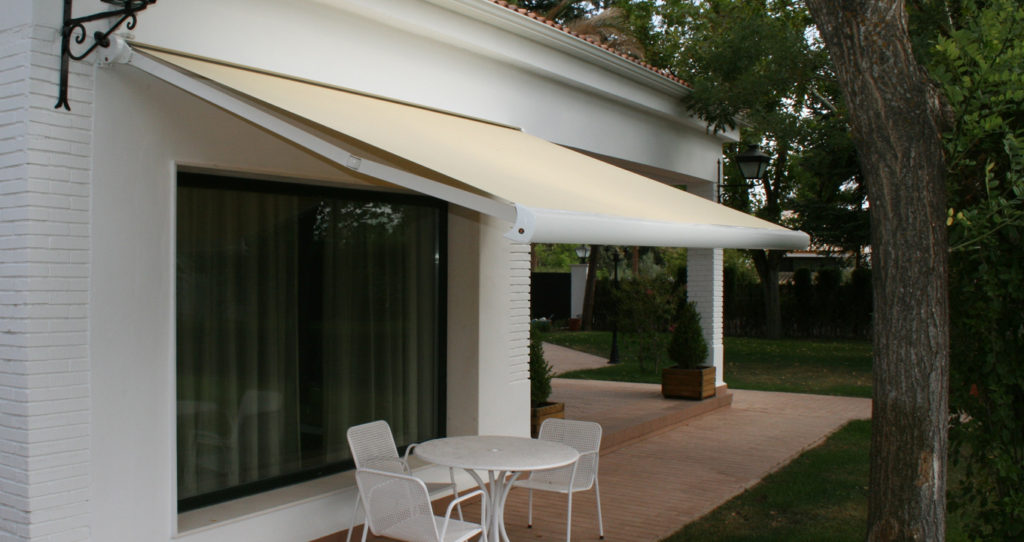 Terrace And Garden Awnings Dubai Fully Retractable Showroom