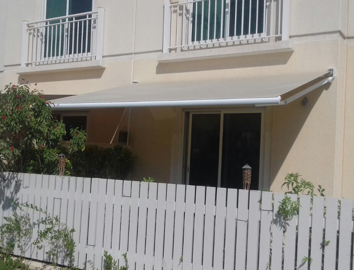 Complet Pro Awning Installed in a Residential Villa