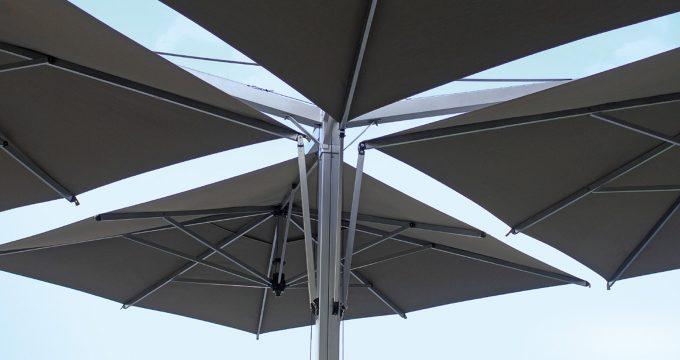 Quadrupplo Giant Umbrella