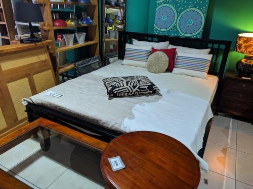 Darkwood bed